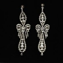 Earrings thumbnail 1