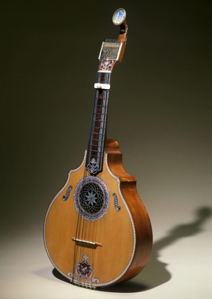 English Guitar top image