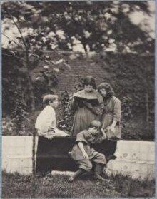 Burne-Jones & Morris Children thumbnail 1