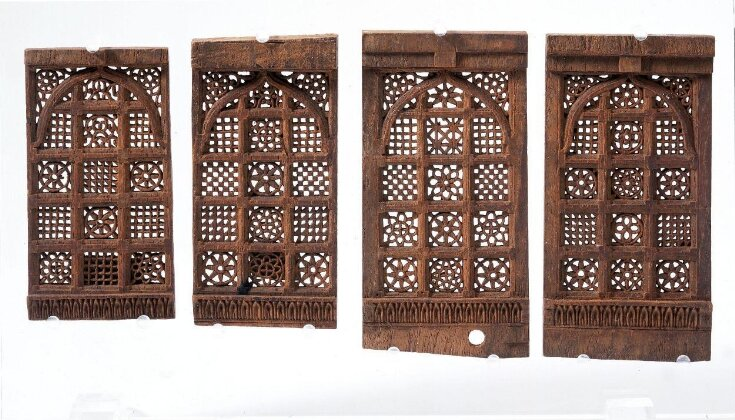 Model of a jali window screen in Ahmadabad mosque top image