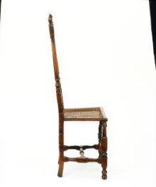 Chair thumbnail 1