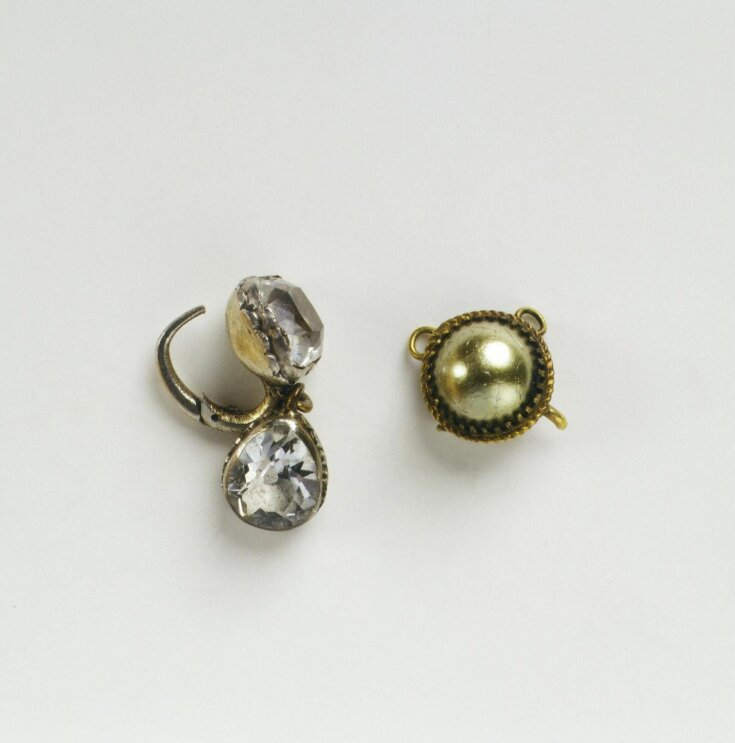 Doll's Earring top image