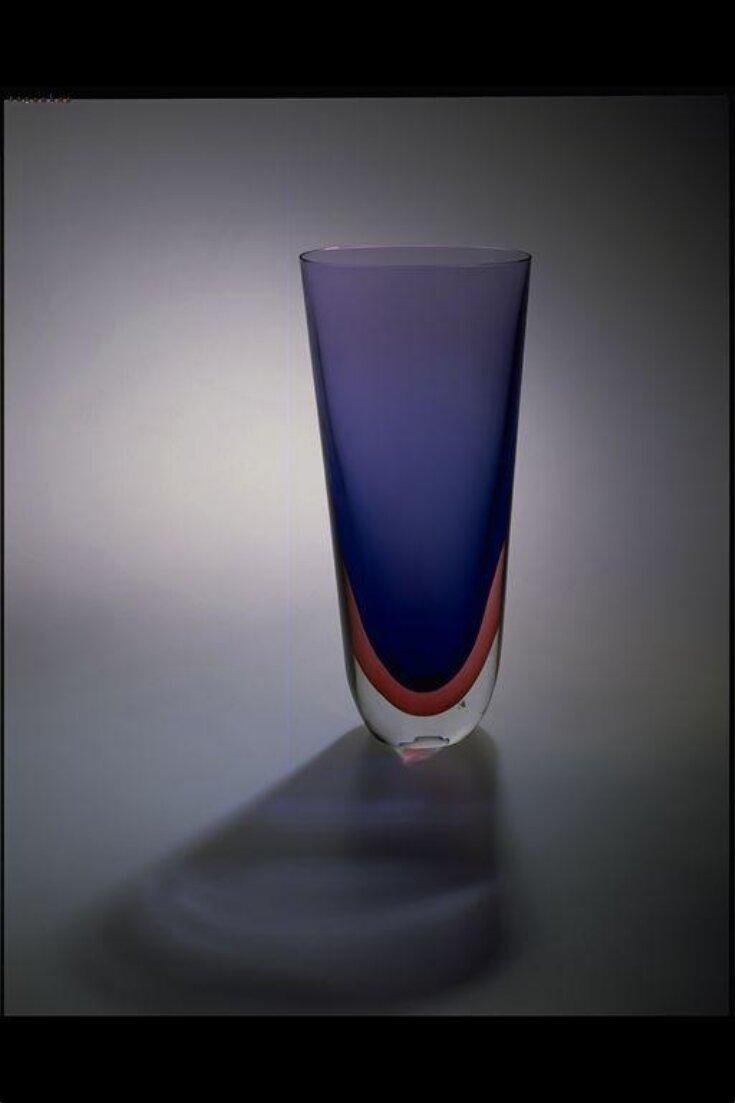 Vase top image