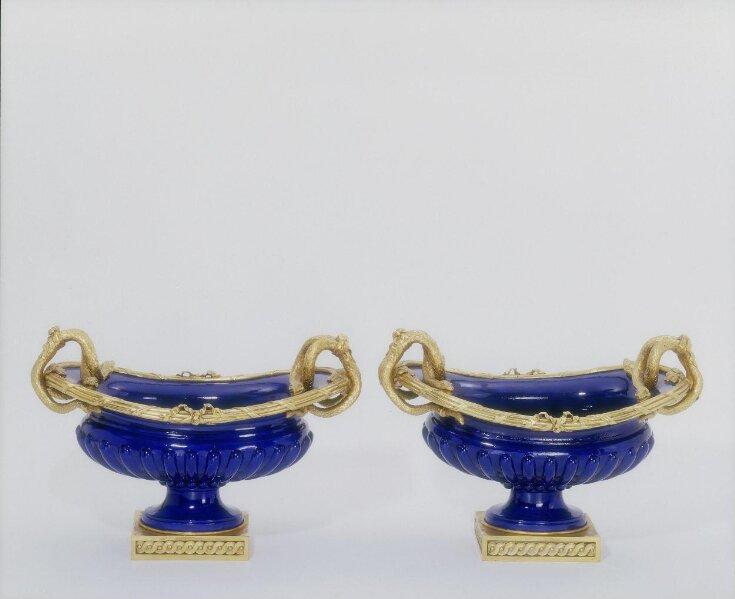 Vase 'Choiseul' top image