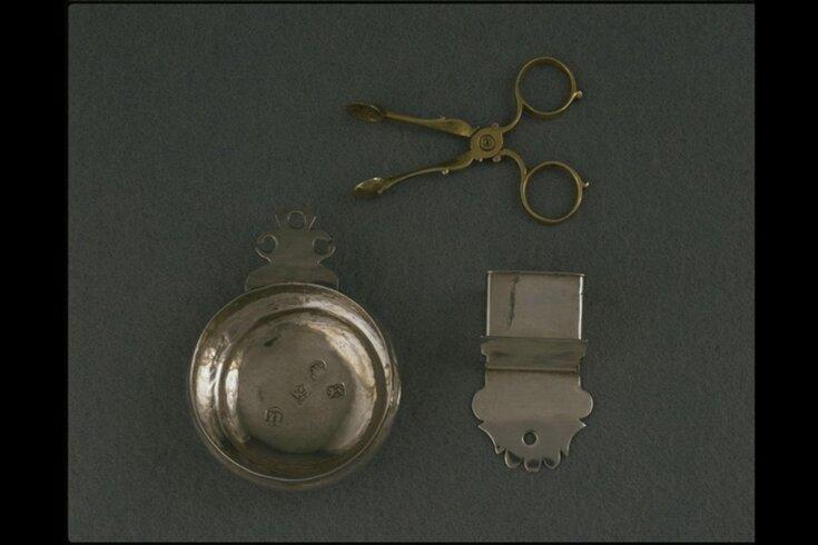 Miniature Salt Box top image
