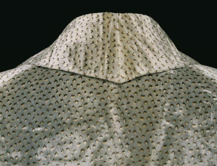 Coat top image