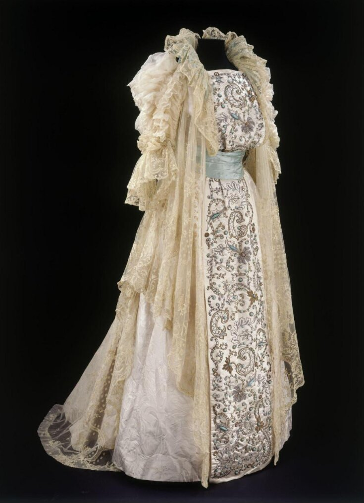 Tea Gown top image