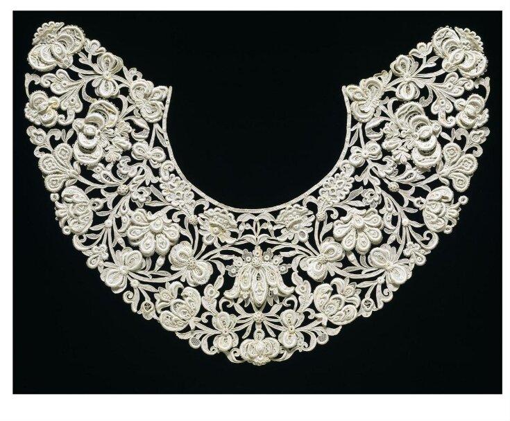 Collar top image