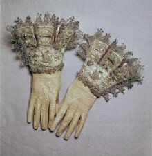 Pair of Gloves thumbnail 1