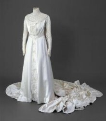 Wedding Dress thumbnail 1
