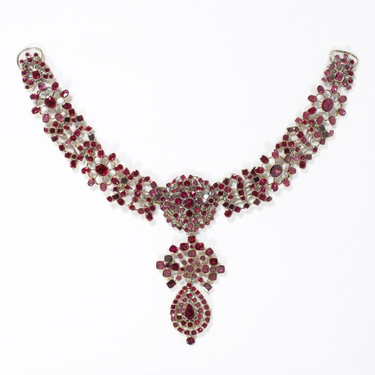 Necklet and Pendant top image