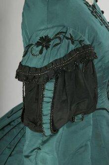 Dress thumbnail 1