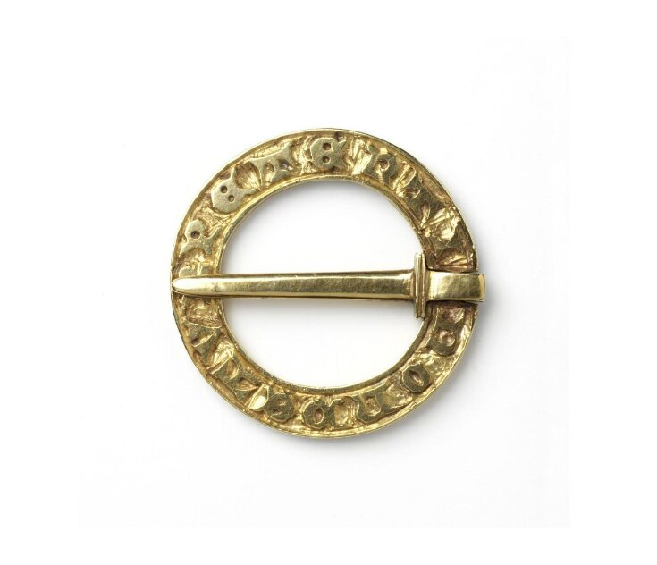 Ring Brooch top image