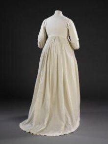 Gown thumbnail 1