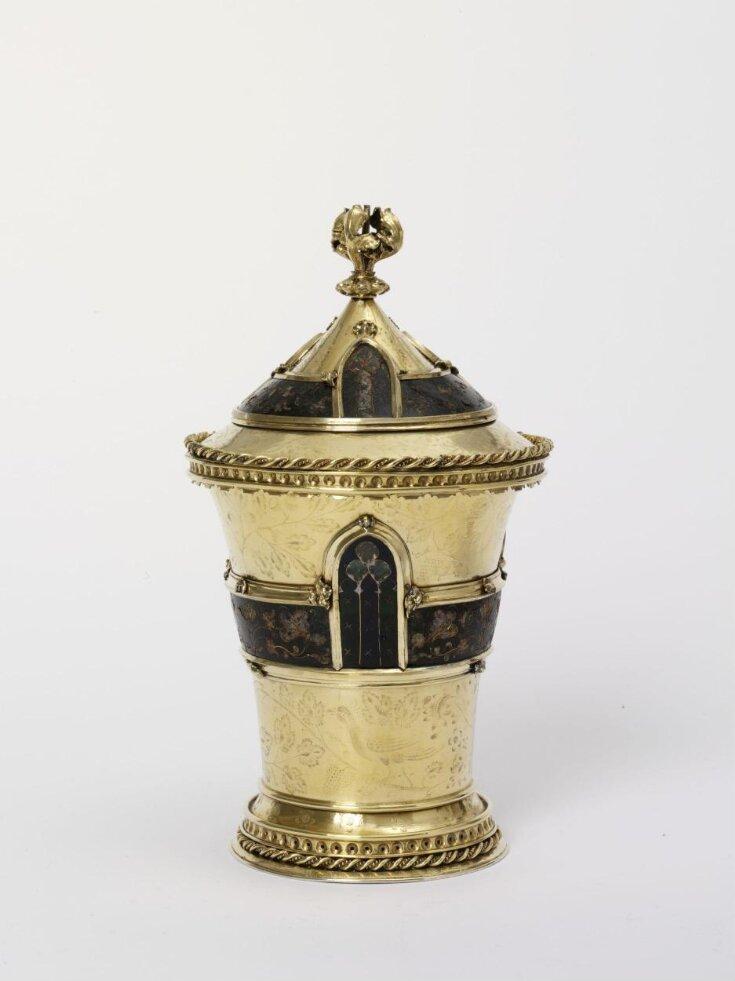 The Mérode  Cup top image
