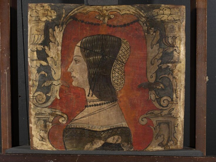 Profile bust of a lady facing left top image