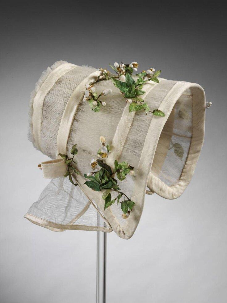 Wedding Bonnet top image