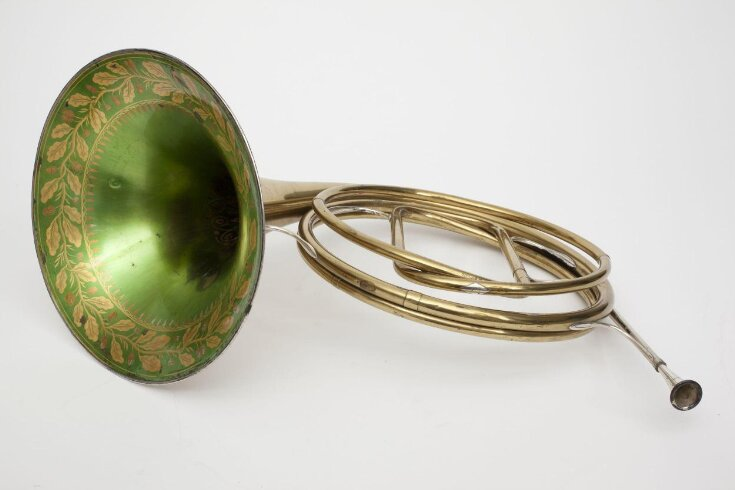 French Horn top image