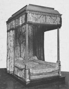 The Garrick Bed thumbnail 1