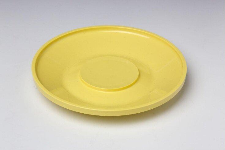 Saucer top image