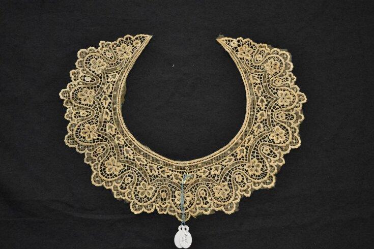 Collar (Neckwear) top image