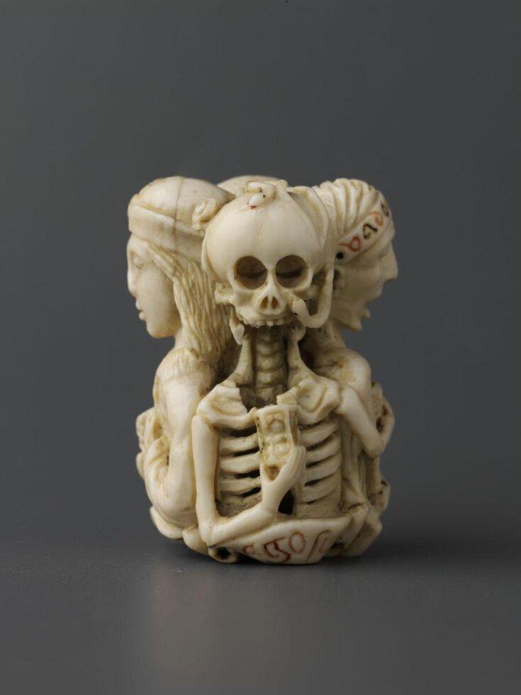 Memento Mori pendents top image