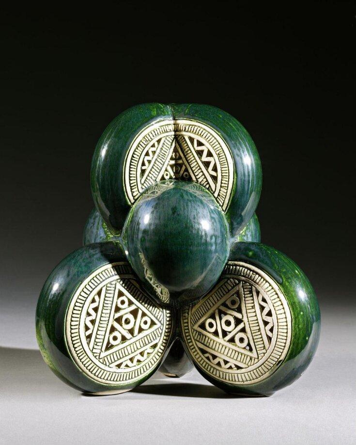 Stacked circles (green) top image