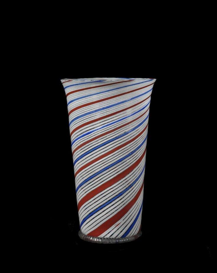 Beaker top image