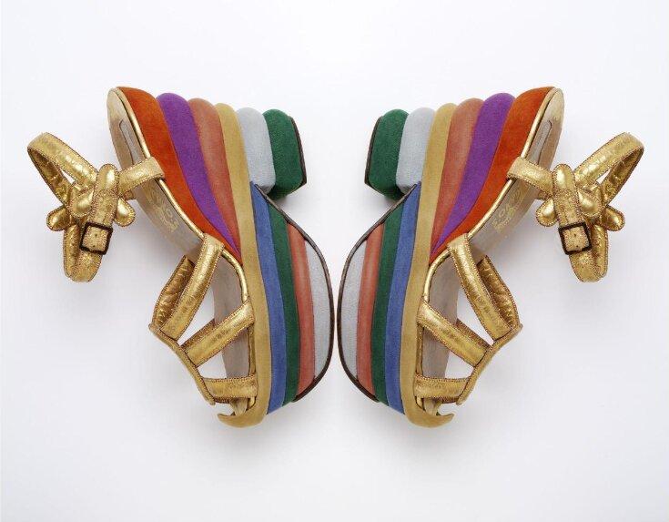 Sandal top image