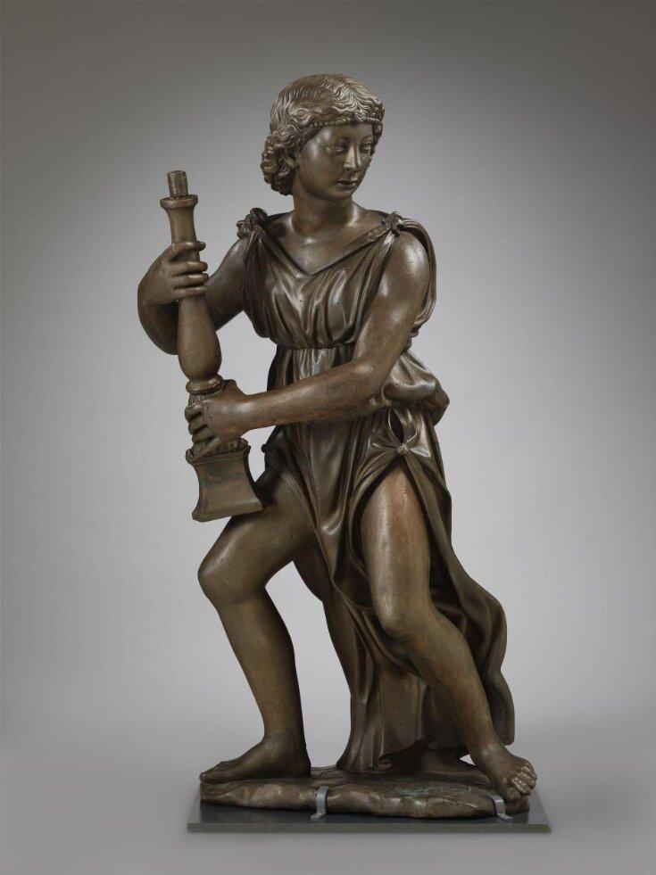 Sculpture top image