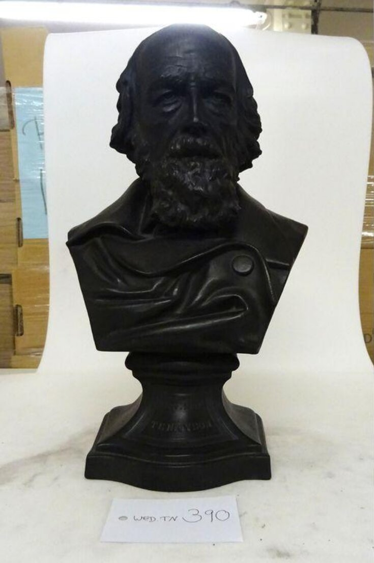 Busts top image