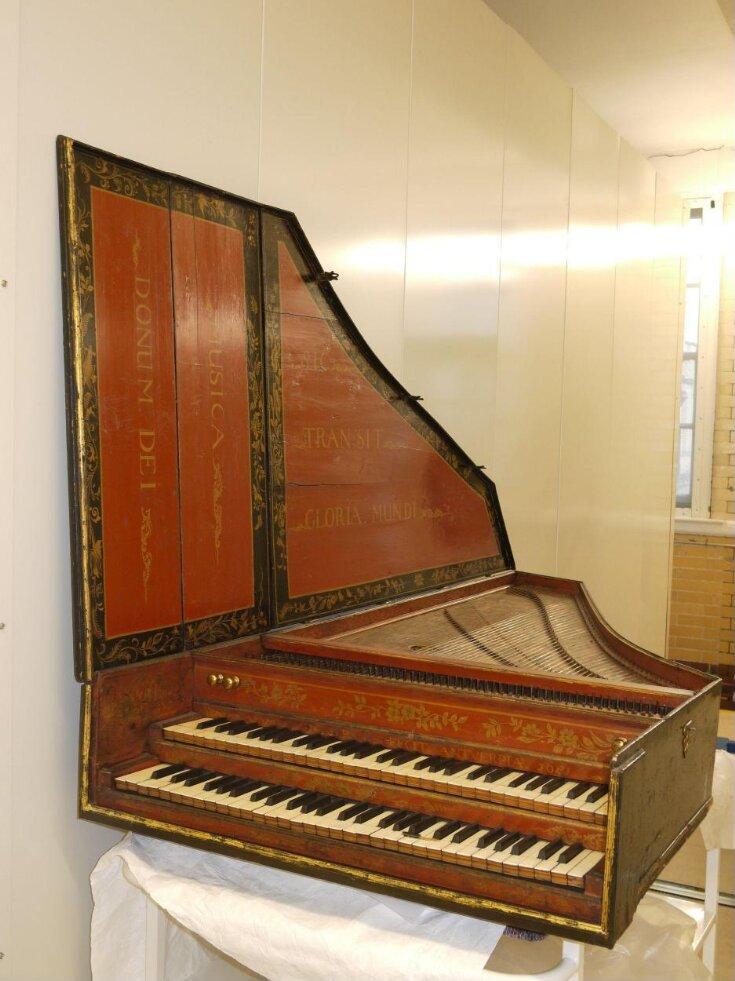 Harpsichord top image