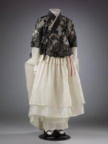 Hanbok Ensemble With Black Lace Yeonan Kim Clan Jacket and Cream Skirt  thumbnail 1